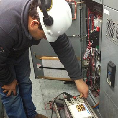 Servicio en terreno de prueba de controladores